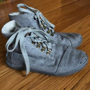 Toms Highland Botas Gray Boots Size 5.5